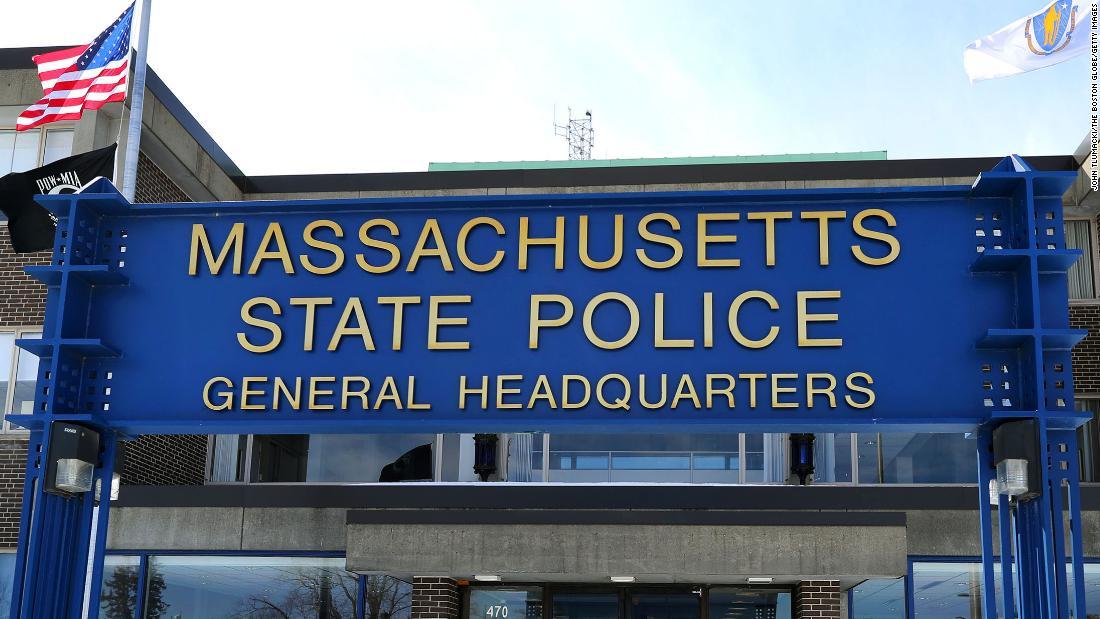 مقامات می گویند ، سربازان ماساچوست پس از استفاده از لعن های نژادی در هنگام رویارویی با اتومبیلرانی ، شلیک کردند