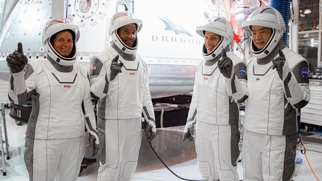 پرتاب SpaceX-ناسا: تاخیر آب و هوا مأموریت فضانورد Crew Dragon را به روز یکشنبه منتقل می کند